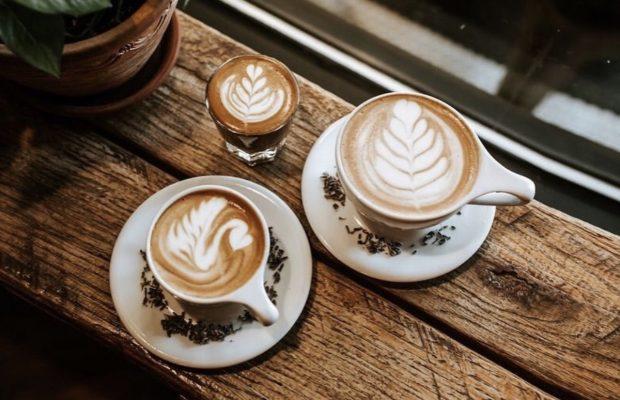 West oak coffee Latte rose