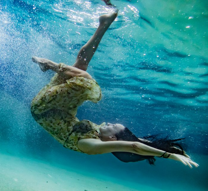 underwater blue pool photography